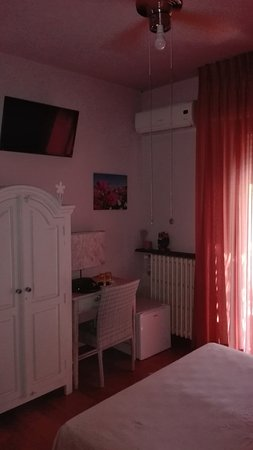 Torricella di Magione, Italia: camera gialla