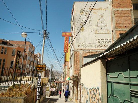 Hotel Condeza: Rua do hotel