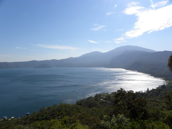 Lake Coatepeque: Lake