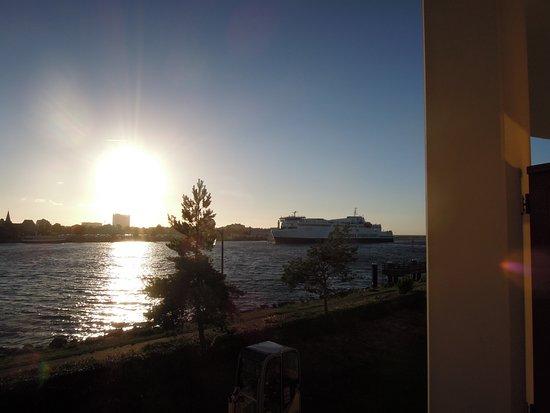 Yachthafenresidenz hohe d ne bild von yachthafenresidenz for Warnemunde zimmer mit fruhstuck