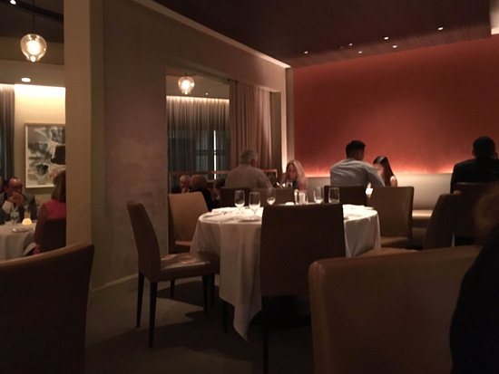 Tosca Restaurant: another angle of the main Room