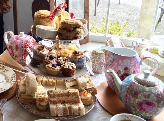 Heydon Village Tea Shop: Afternoon tea