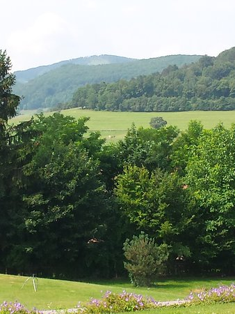Mayerling, Austria: Ruhige Umgebung