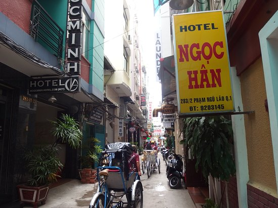 Bich Duyen Hotel: Said alley, right beside the laundry shop