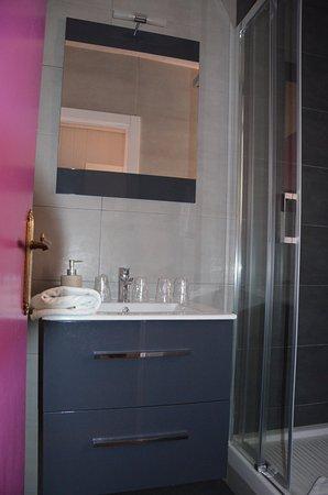 Hostal Escala Luna: Baño foto 1