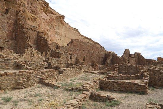Pueblo Bonito: View from center
