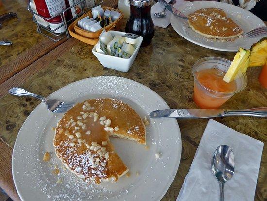 Макаво, Гавайи: Yummy pancakes with macadamia nuts