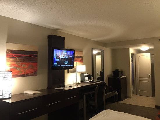 Holiday Inn Express & Suites Boston - Cambridge: photo2.jpg