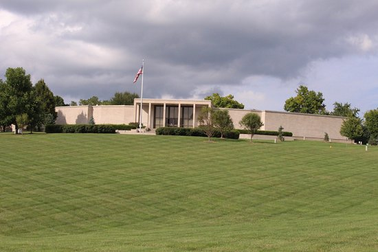 ‪Harry S. Truman Library and Museum‬