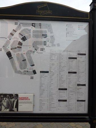 Piantina con lista dei negozi - Foto di Serravalle Designer Outlet ...