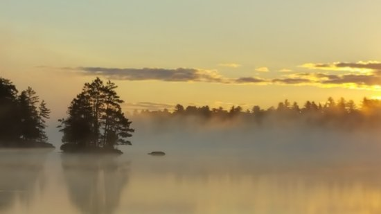 River Point Resort: Misty sunrise