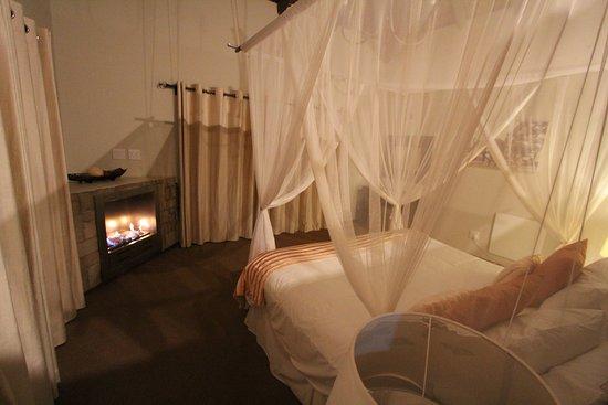 Gondwana Game Reserve: Villa   Schlafzimmer Mit Kamin