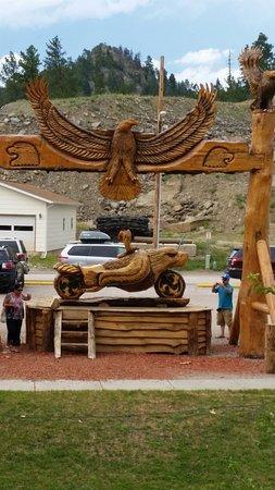 Mt. Rushmore's White House Resort: Artigianato in legno