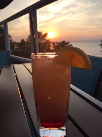 Egg Harbor, WI: Drinks on the rooftop patio