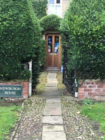 Newburgh House - Coxwold: Entrance