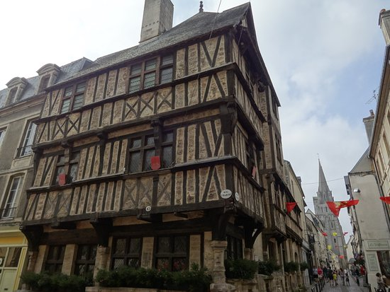 vieille maison colombage bayeux picture of bayeux calvados tripadvisor. Black Bedroom Furniture Sets. Home Design Ideas