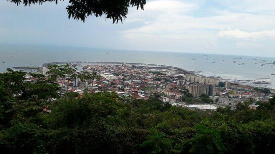 En el mirador del Cerro Ancón...! Lugar tranquilo que no puede dejar de visitar al venir a Panam