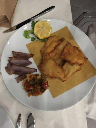 Cadrezzate, อิตาลี: persico alla milanese