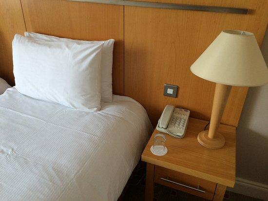Bett Und Nachttisch Picture Of Lahinch Golf Leisure Hotel