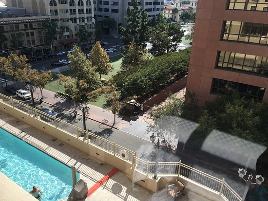 The Westin San Diego Gaslamp Quarter: Pool seen from room