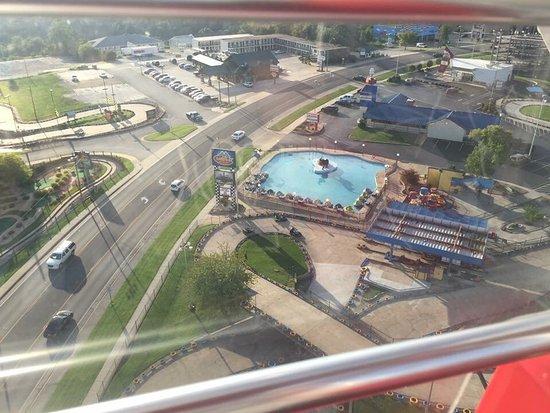 Branson, MO: Navy Pier wheel