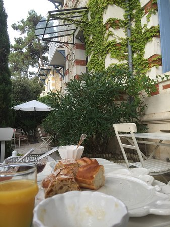 Villa frivole chambres d 39 hotes b b bewertungen fotos - Chambres d hotes saint palais sur mer ...