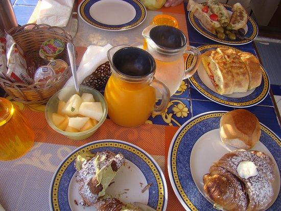 Al frantoio Valderice: Ottima colazione
