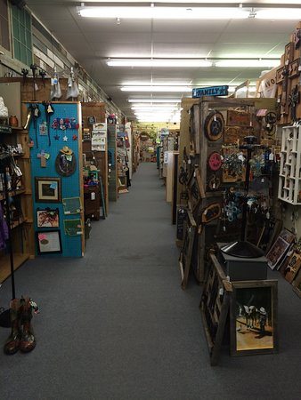 Craft Gallery Home Decor and Gift Store: Just the first of many aisles like this. Go!
