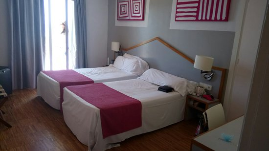 Hotel Subur: Sea view,  4 floor