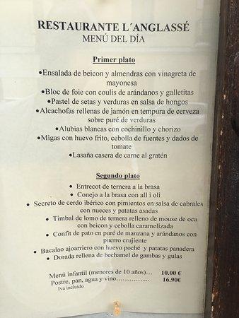 Canfranc, Ισπανία: Lasaña casera, alcachofas, Browine, profitel