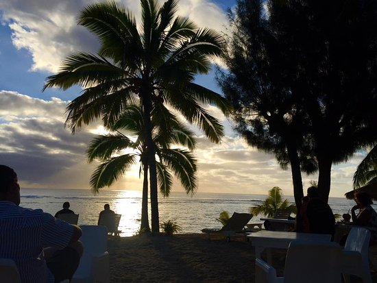 Oceans Restaurant & Bar: sunset cocktails