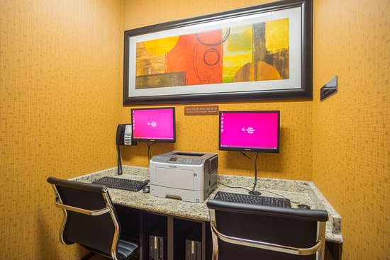 Best Western Plus The Inn at St. Albert: Stay connected at our 24 hour business centre.