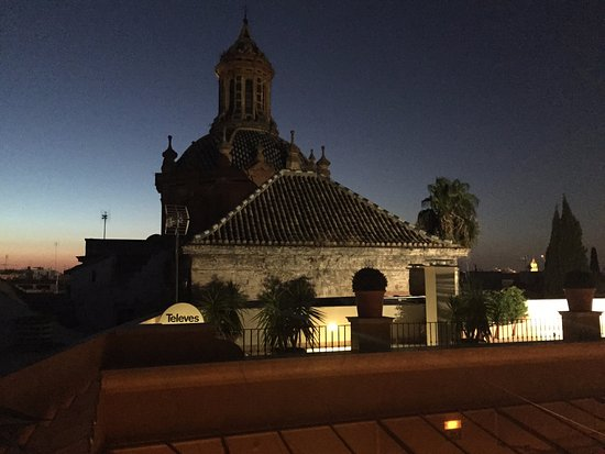 Boutique Hotel Casa del Poeta: Night time view from the roof deck