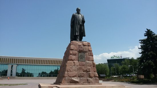 Monument to Abai Qunanbaiuli