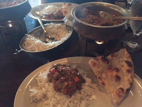Tandoor Indian Restaurant: Lamb Rogan Josh with Naan