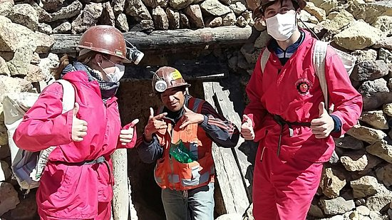 Potosi Department, Bolivien: Excellent mine tour with Antonio! He is absolutely hilarious and very thoughtful constantly aski