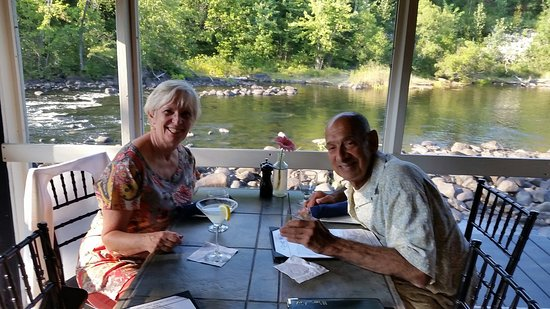 Warrensburg, Νέα Υόρκη: A beautiful day on the Schroon River