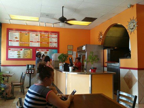 Lakeside, Калифорния: Sarais Taco Shop