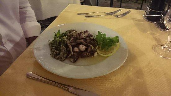 La Piazzetta: DSC_0403_large.jpg