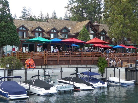 Sunnyside Restaurant and Lodge: Sunnyside is primarily a very busy restaurant and bar with 100s of people and very noisy