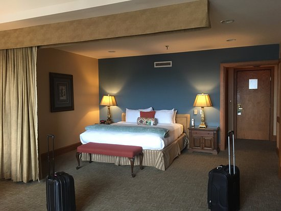 Haywood Park Hotel: Room 410