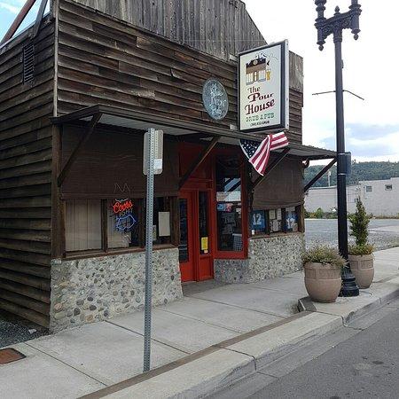Eatonville, WA: Pour House