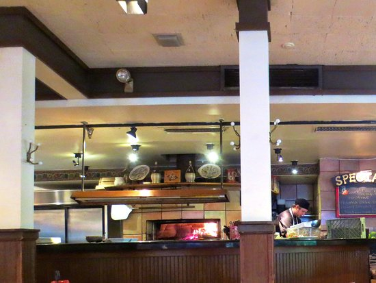 Hanover, NH: Wood fired oven adds to the cozy atmosphere