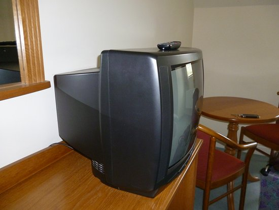 Maam Cross, Ierland: Flat Screen ( Ithink not) TV.