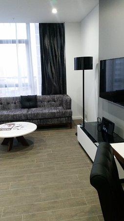 photo3.jpg - Picture of Meriton Suites Mascot Central ...