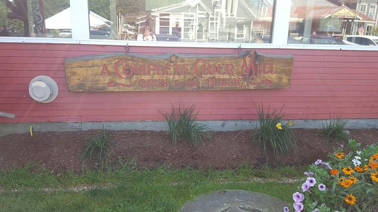 Waterbury Center, VT : Cold Hollow Cider Mill