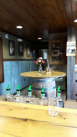 Osakis, MN: Panther Distillery