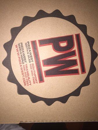 PizzaWest: photo0.jpg