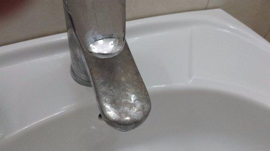 robinet rouillé lavabo de Be Live Experience Varadero