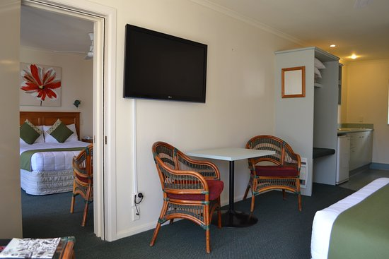 Colonial Lodge Motel: Family Spa Studio